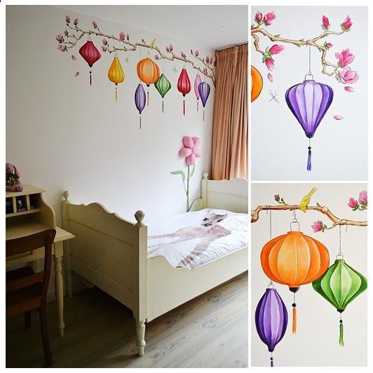 Lampionnen aan een magnolia-tak | muurschildering | kinderkamer | www.groeneballon.nl | Den Haag