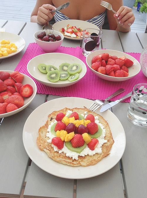 Pancakes and fruit ♥ I LOVE ♥