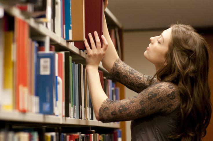 10 Buscadores académicos que quizás no conocías