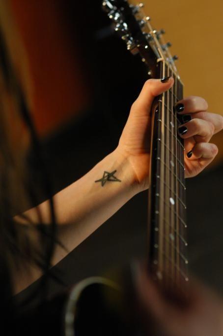 Avril Lavigne - AOL Sessions In Toronto, 29.02.2004.