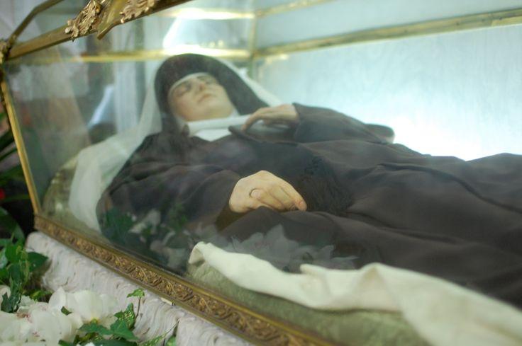 incorruptible body of saints | The incorrupt body of St. Rafaela