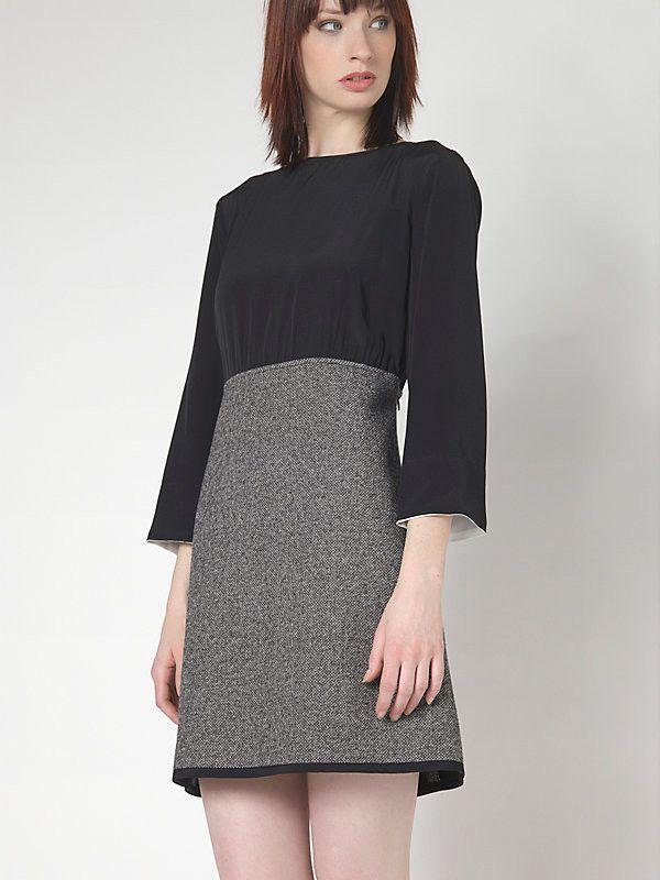 abito corto Patrizia Pepe collezione FW2015 con casacca in seta e gonna in tessuto operato. Disponibile nelle taglie 40,42,44 e nel colore Black Texture