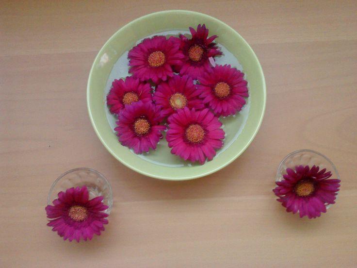 Kvetinová výzdoba na stôl