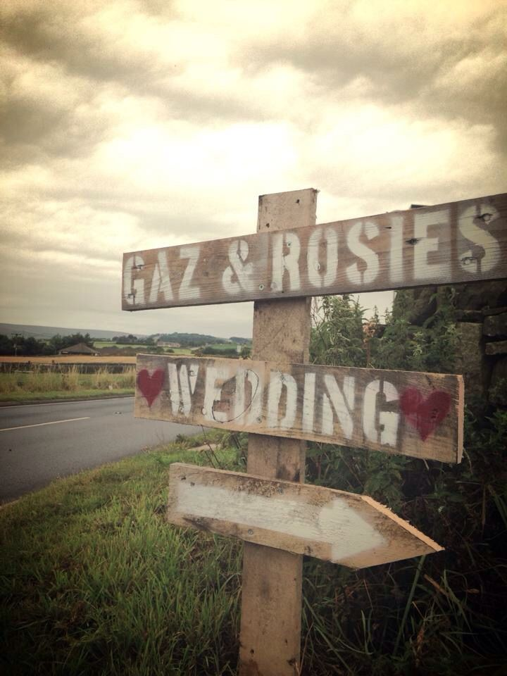 Wedding signs made from pallets #wedding #vintage #rustic