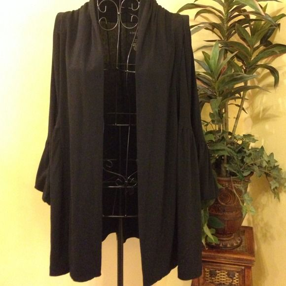 GORGEOUS MATERNITY Black Cardigan (Gently used) Great condition! 62% Polyester/34% Rayon/4% Spandex, would also work beautifully on Women's size Liz Lange Maternity for Target Jackets & Coats