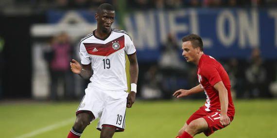 Son Transfer Haberleri, Arsenal'in talip olduğu Stuttgart'ın başarılı savunmacısı Antonio Rüdiger, Londra ekibine hayranlığını dile getirdi ve bir dizi övgüler yolladı.