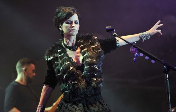 Dolores O'Riordan Photos - Irish singer Dolores O'Riordan of the Irish band The Cranberries performs on stage during the 23th edition of the Cognac Blues Passion festival in Cognac on July 07, 2016.  / AFP / GUILLAUME SOUVANT - Dolores O'Riordan Photos - 5 of 37