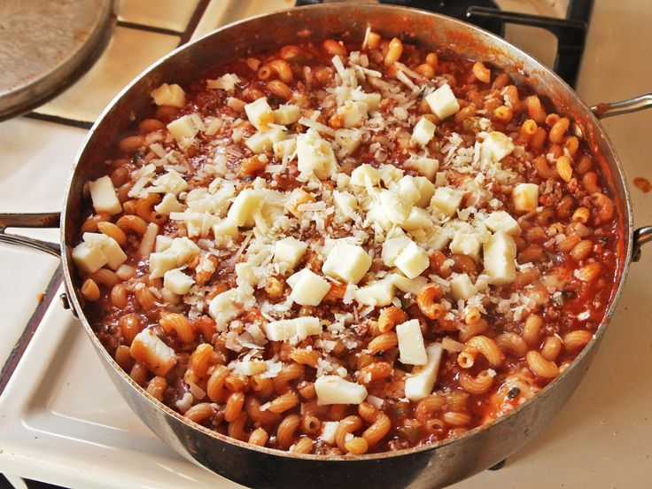American Chop Suey (Macaroni, Beef, and Cheese Skillet Casserole) | Serious Eats : Recipes