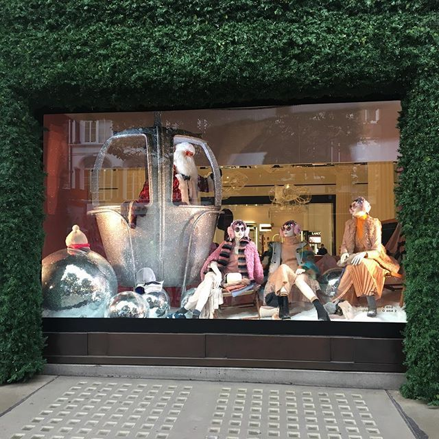 WEBSTA @ newmarketnz - We sent Ashleigh Burrell, the winner of our AUT Window Display competition, to London for a two week internship at Selfridges. Head to the blog to read about her experience. Link in bio #selfridges #london #prize #windowdisplay #aut #newmarketnz