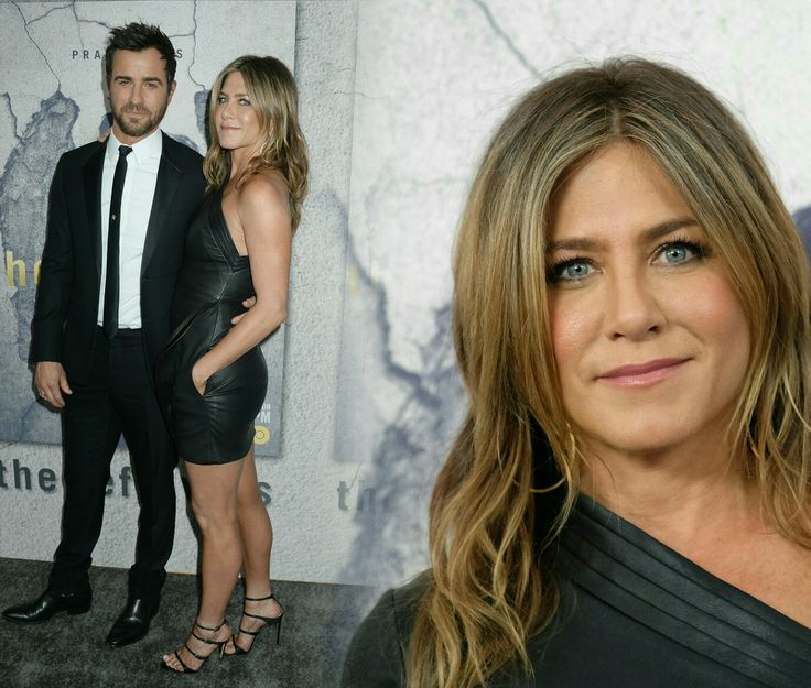 #JenniferAniston supporting her husband #JustinTheroux at the season three premiere of #TheLeftovers! She wore a one-shoulder #BrandonMaxwell dress. • • • • • #JenniferAniston apoiando seu marido #JustinTheroux na pré-estreia da terceira temporada de #TheLeftovers! Ela usava um vestido #BrandonMaxwell de um ombro só.
