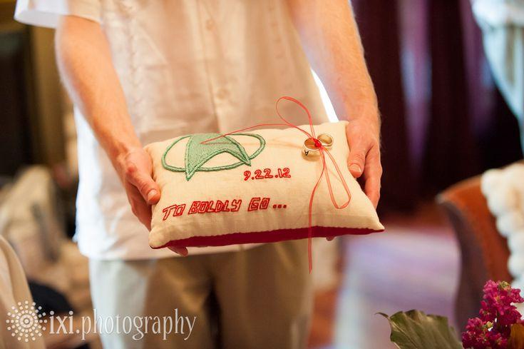 9 best ixi\'s nerdy weddings images on Pinterest   Geek wedding, Rose ...