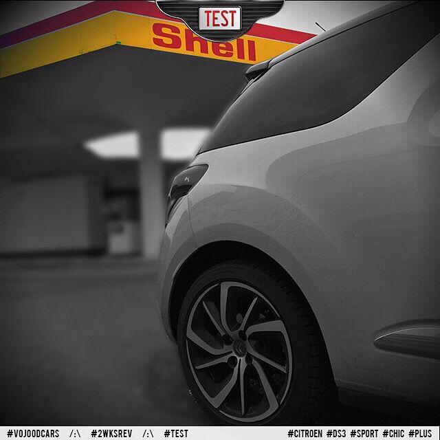 "17"" Aphrodite alloy wheels /:\ Jantes aluminium 17"" Aphrodite #vojoodcars #2wksrev #citroen #ds3 #sport #chic #plus #aphrodite #shell #review #test #love #cars"