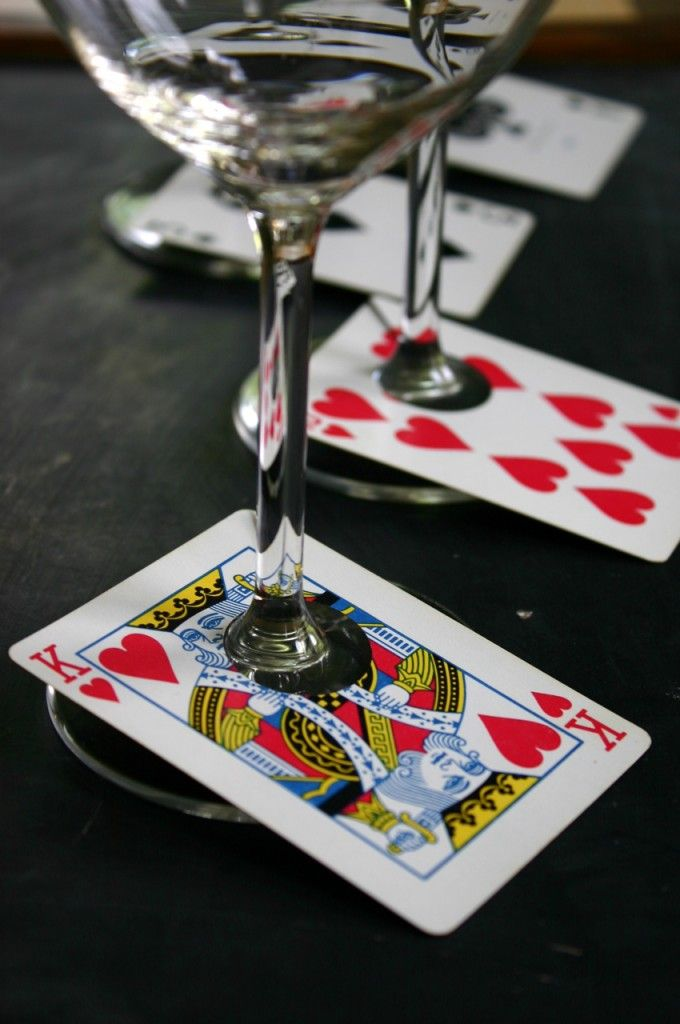 Card Wine Glass Tags. One way to recycle an incomplete deck of cards! Maybe you…
