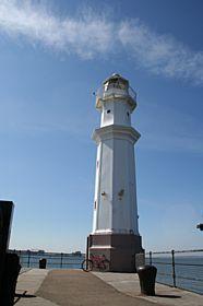 Leith - Newhaven Lighthouse near Leith © Ian Dick