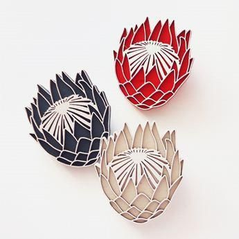 Veldblom Brooch - We Heart This Landi Kuhn - Functional Art & Design Plywood brooch with laser cut detail