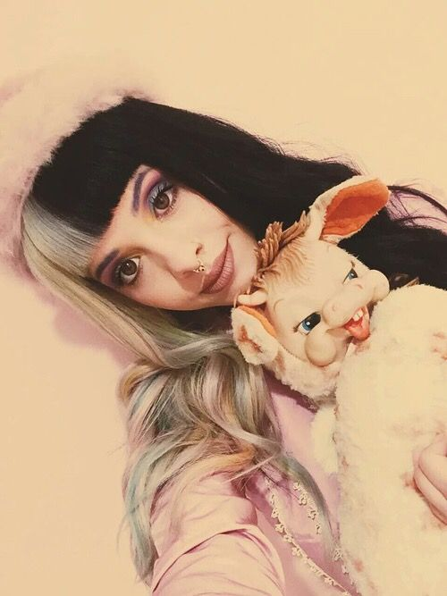 Pinterest: @kiki02pink . I love how sweet she looks even though the toy she has is absolutely terrifying.