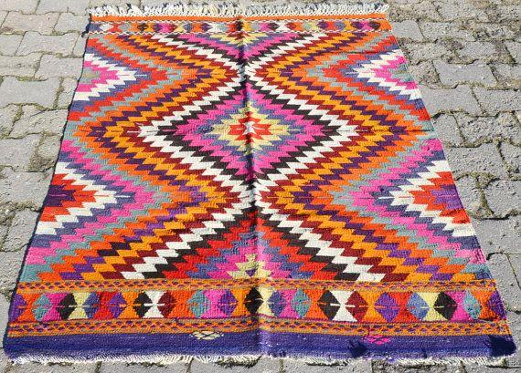 Sukan / Vintage Organic Shine Society Modern Bohemian Throw Kilim Rug - handwoven kilim rug - decorative kilim - small kilim rug via Etsy