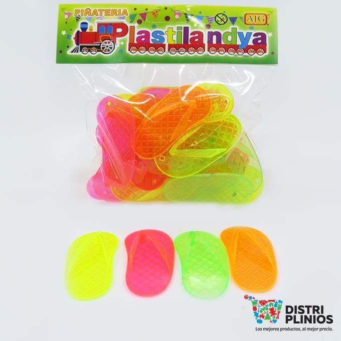 Chanclas De Piñatería Divertido juguete en forma de chancla, ideal para piñatas. Medidas Alto 1.5 cms Largo:5.5 cms Ancho: 3 cms Para ventas al por mayor comuníquese al 320 3083208 o al 3423674 en Bogotá