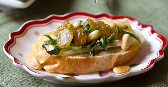 Brie Toasts with Basil, Pine Nuts and Golden Raisins recipe by A Spicy ...