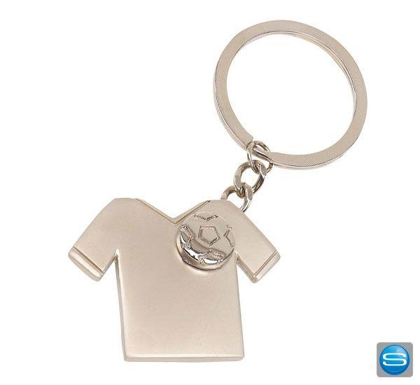 Lassen Sie Ihre Kunden Ihren Werbeartikel immer bei sich tragen. Diesen Schlüsselanhänger aus Metall in Form eines Trikots mit Fußball der lose an der Kette hängt. Gerne gravieren oder bedrucken wir Ihnen diesen Werbeartikel mit Ihrem Logo.