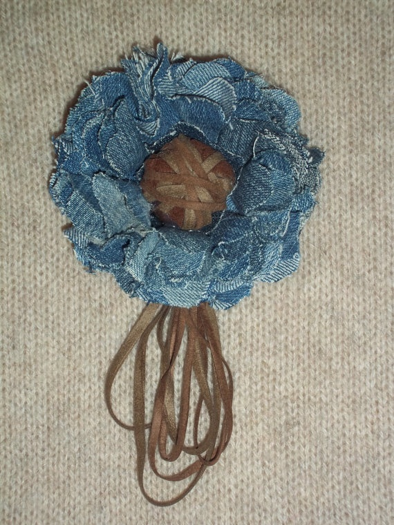 Light blue jean flower brooch with suede center and by TzoFeltGood, €26.00