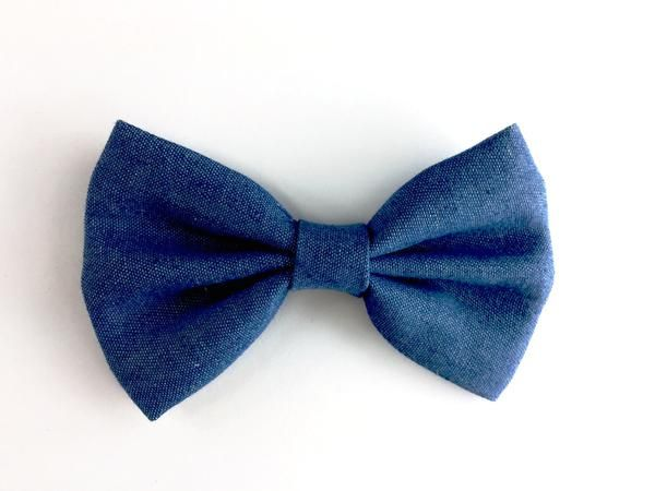 Big, sweet and stylishly modern denim hair bow for toddler girls hair accessory collection.  School girls hairbow also Perfect accessory for stylish toddlers though! Bow is attached to a 5 cm long grosgrain ribbon covered pin