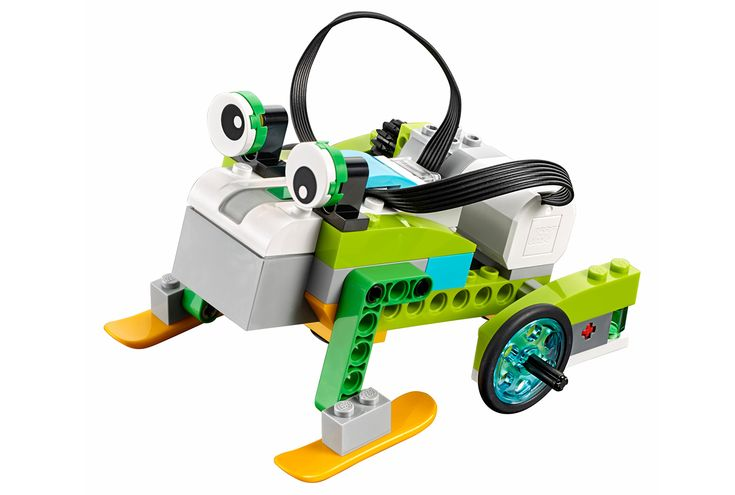 Lego's WeDo 2.0 gives kids a crash-course in robotics | You may not have been able to play with Lego in school, but your kids can. Lego Education has revealed the WeDo 2.0 robotics kit aimed at elementary school students, over eight years after launching the original WeDo. As before, it's designed to teach kids the basics of robotics, thanks to the Mindstorm-like sets.