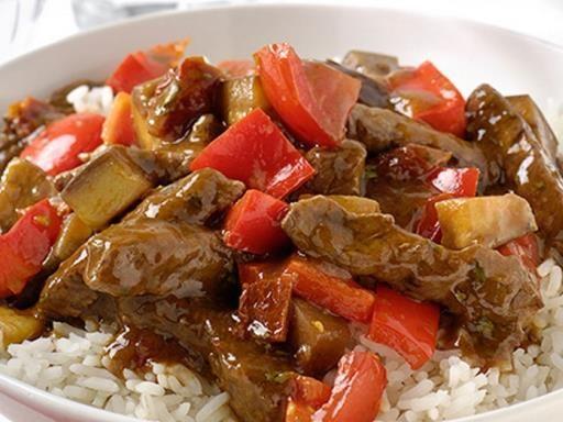 riz, poivron rouge, tomate, tomate séchée, ail, boeuf, aubergine, herbes de provence, bouillon
