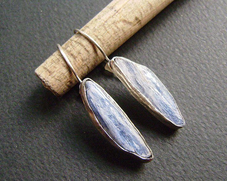 Kianit w srebrze - kolczyki w artkatalina -  biżuteria artystyczna na DaWanda.com