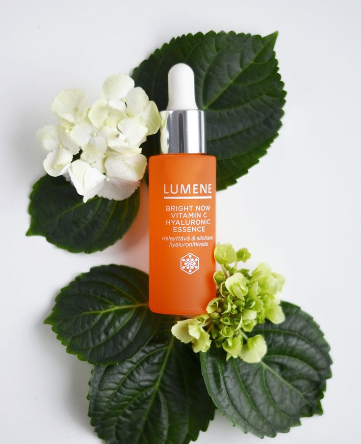 """Lumene Bright Now Vitamin C Hyaluronic Essence makes my skin look smooth and glowing"", says beauty blogger Erika. #skincare #lumene"