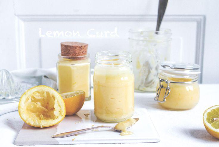 Lemon curd är en citronkräm eller citronmarmelad som traditionellt framställs av ägg, socker och citronsaft. Lemon curd innehåller vispad äggula utrörd med socker och citronsaft som långsamt kokas i vattenbad. En del recept innehåller även citronskal, äggvita eller smör. Lemon curd används i bland annat tårtor, bakverk, glass och till scones.