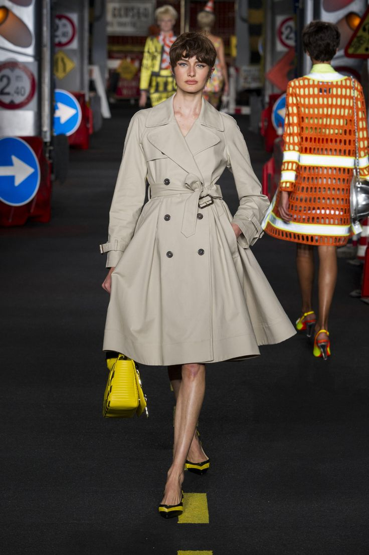 From the Car Wash to the Powerpuff Girls, See Every Look from Moschino's Spring 2016 Show - Fashionista