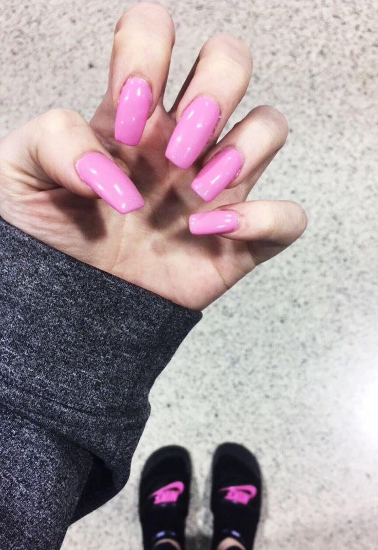 Fleaky Barbie nails #pink💕