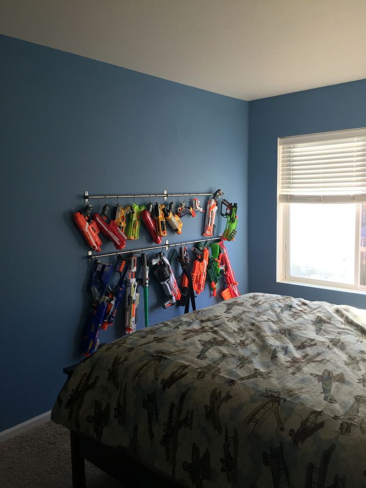 Best 25 nerf gun storage ideas on pinterest nerf for Display bedroom ideas