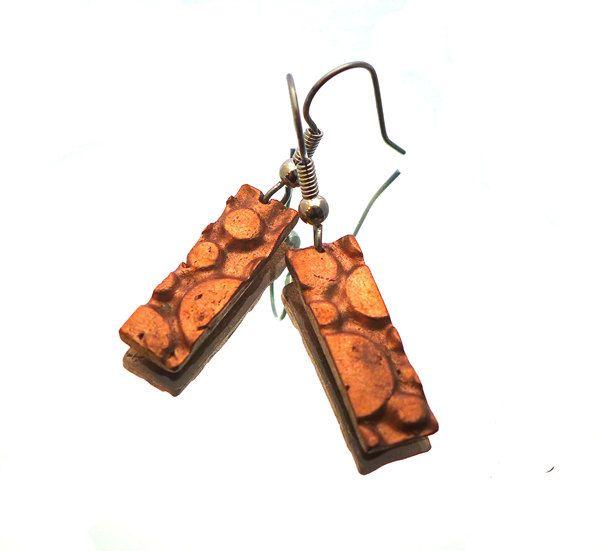 Moon moonscape rectangular copper earrings hand sculpted art clay copper 316L stainless steel earhooks / Maanlandschap koperen oorbellen (10.00 EUR) by deBATjes