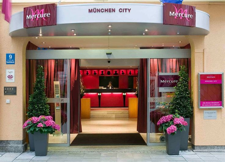 Vintage Mercure Muenchen City Center in Munich Ludwigsvorstadt is minutes from Karlsplatz Stachus and