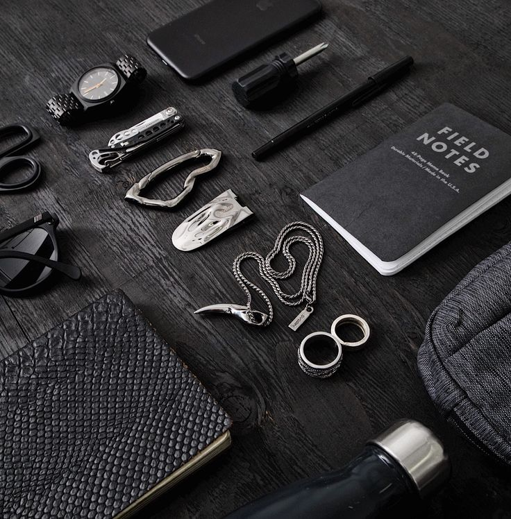 EDC Noir by SVØRN  www.svorn.net   #edc #essentials #mensaccessories #mensaccesories #accessoriesformen #accessories #carabiner #keychain #keychaincollection #carry #carryon #carryology #design #urban #edc2017 #edclifestyle #edclife #edcporn #pocket #pocketdump #mensfashion #mensstyle #menswear #mensjewelry #goth #jewelryformen #giftsforhim #giftsformen #giftforboyfriend #streetstyleluxe