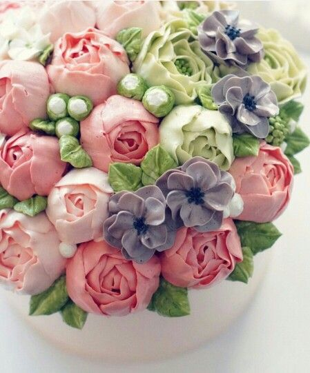 Cake Decorating Piping Flowers : 25+ best ideas about Flower Cakes on Pinterest Frosting ...