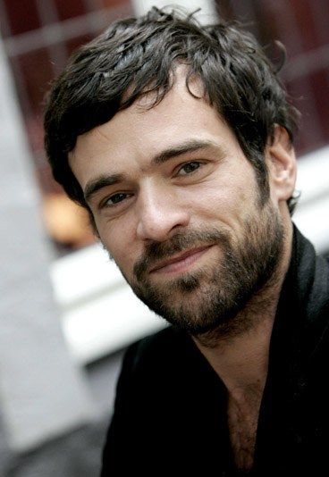Romain Duris. A French actor whose stardom is well deserved indeed.