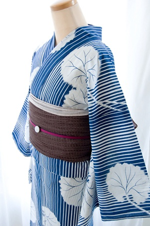 Yukata:Japanese traditional summer dress @浴衣/石蕗(瑠璃紺) くるり