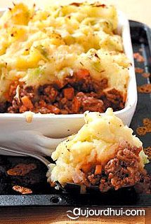 Hachis parmentier anglais (shepherd's pie) (pommes de terre, fromage râpé, boeuf haché)