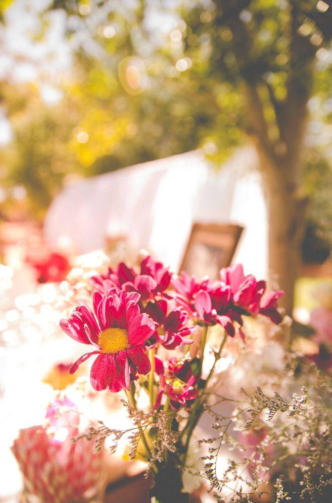 Vintage country wedding. Wild flowers