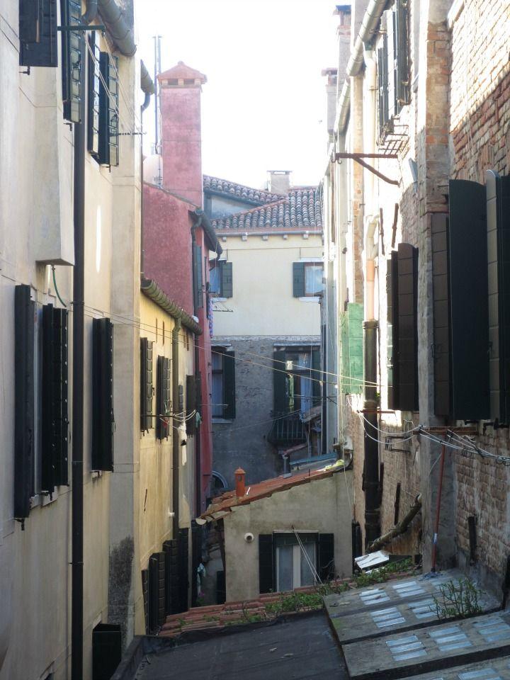 Millaista on arki Venetsiassa? Lue lisää http://marimente.pallontallaajat.net/2015/01/18/millaista-arki-venetsiassa/