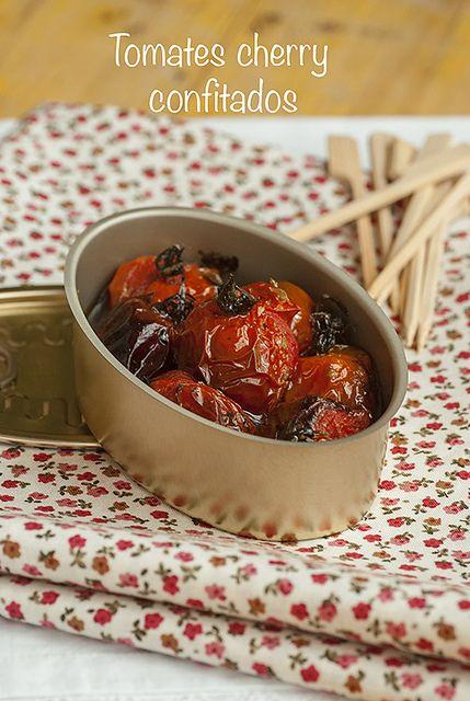 Tomates cherry confitados en el horno y aromatizados con aceite virgen, vinagre de Módena, azúcar y orégano.