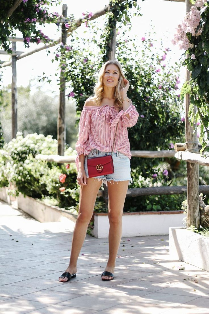 summer outfit, summer trend 2017, holiday style, blogger style, off shoulder, Italy