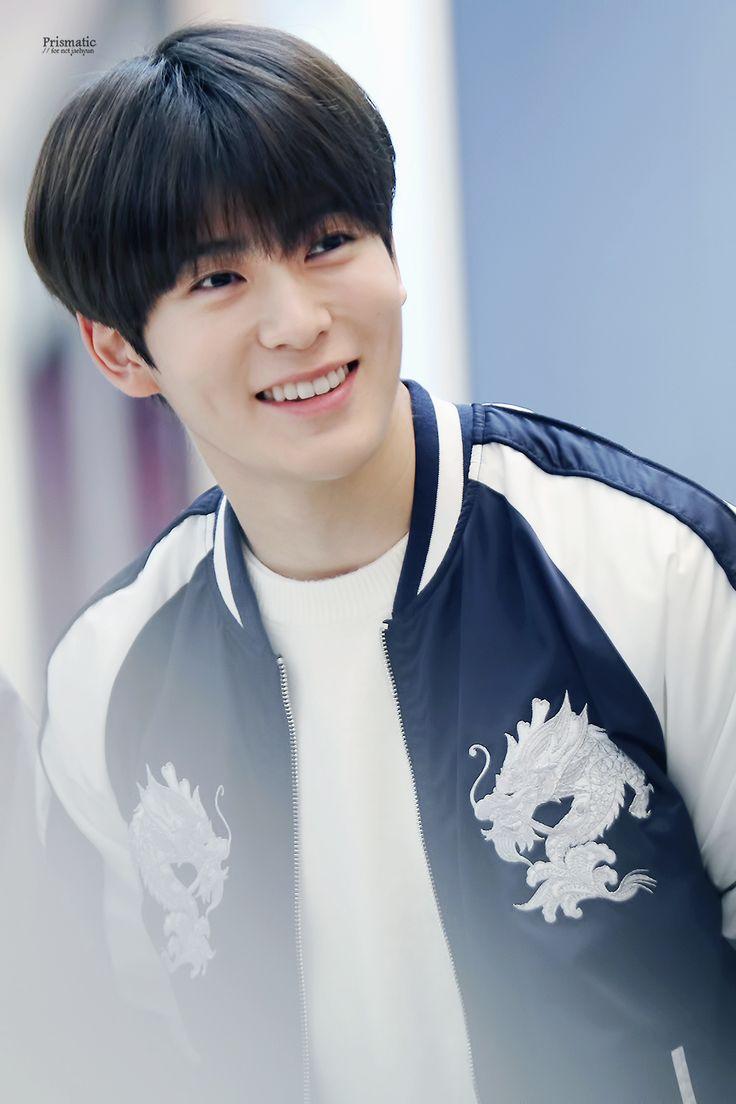 Jaehyun's smile make me X_X