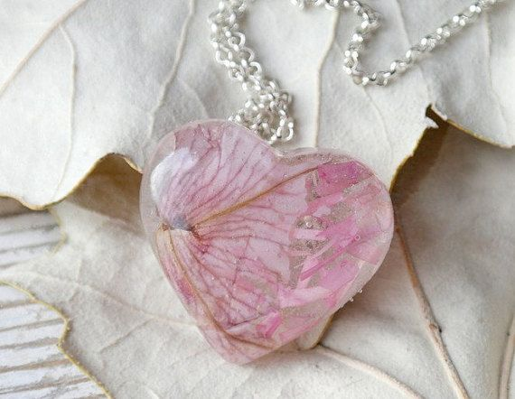 Just lovely gift for you or special person.  This pendant with a real Petunia dried flower.  Please, write me how long you need length of the