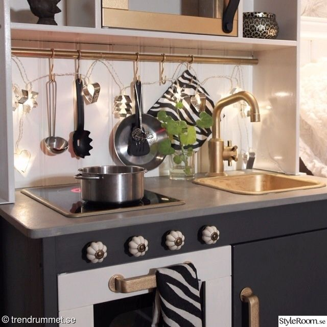 Kids play kitchen, IKEA hack