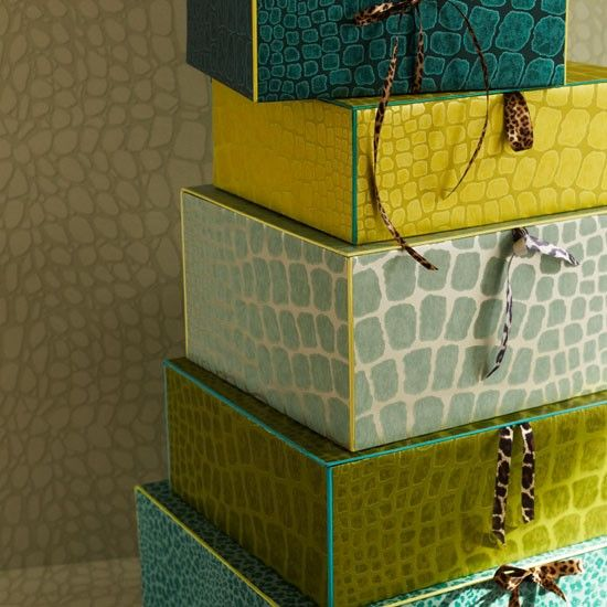 Gorgeous color palette on these stacked boxes
