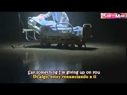 A Great Big World Ft. Christina Aguilera - Say Something (Letra en Español) - YouTube
